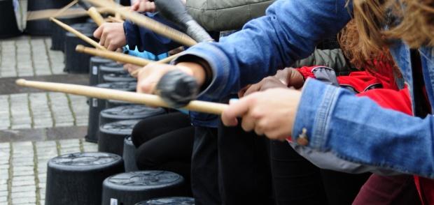 Billede af børn spiller musik