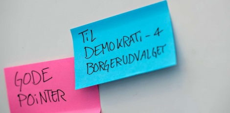 Post-its med gode pointer til Demokrati- og Borgerudvalget